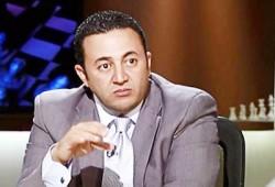 """عمرو عبد الهادي لـ""""إخوان أون لاين"""": السفاح أعلن فشل الانقلاب"""