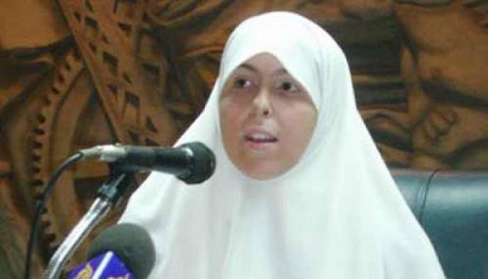 عائشة الشاطر: العسكر جعل أكتوبر ذكرى مذبحة ودماء