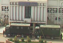 أهالي كفر الشيخ يتصدون لمغلقي مجلس مدينة دسوق