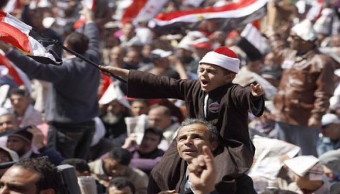عام على 25 يناير.. الثورة مستمرة