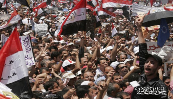 لجان تأمين على جميع مداخل ميدان التحرير