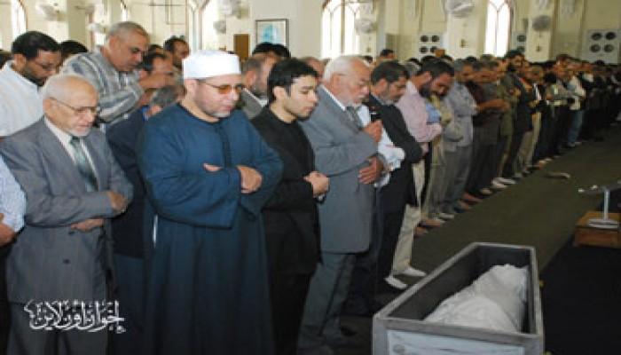 المرشد العام يتقدم جنازة الدكتور علي شهوان