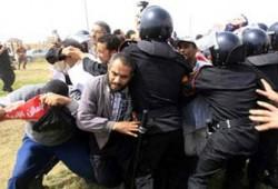 """خبراء: الأحكام العسكرية تؤكد أن النظام """"فقد عقله""""!!"""