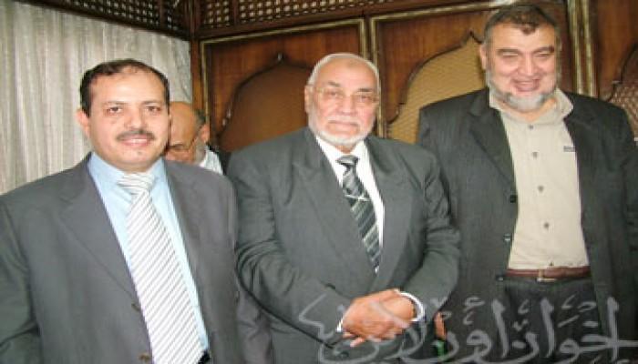 المرشد العام يقيم مأدبةً احتفالاً بفوز عبد القدوس وعبد المقصود