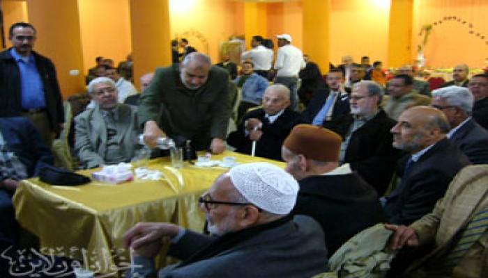الإخوان المسلمون يشاركون الداعية جمعة أمين في الاحتفال بزفاف نجله