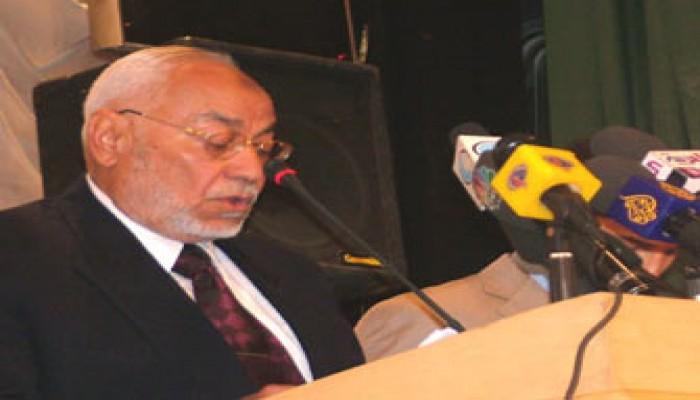 عاكف يطالب بالتصدي للهيمنة الأمريكية ومقاطعة الدول الاستعمارية