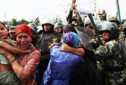 """مسلمو """"الإيغور"""".. لماذا يصمت العالم على جرائم الصين؟"""