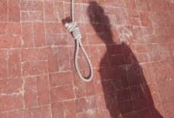 الظلم والاستبداد والفقر.. مغردون يفنّدون أسباب تزايد الانتحار في مصر