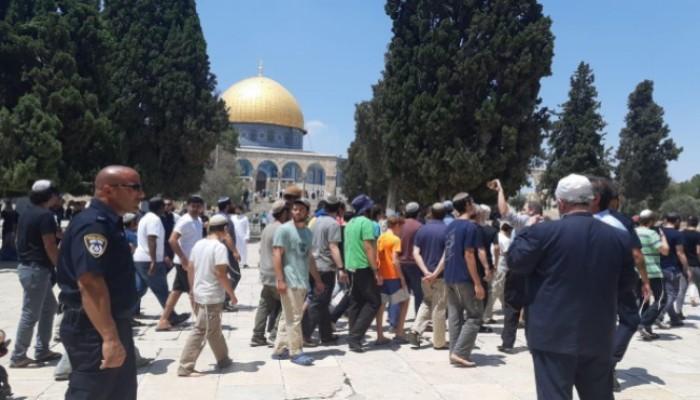 اقتحام الأقصى واعتقالات ومواجهات عند قبر يوسف بفلسطين