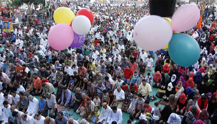 الإخوان المسلمون.. وصناعة فرحة العيد