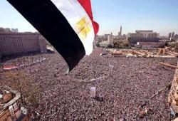 """هاشتاج #""""احنا_ثورة_مش_معارضة"""" يدعو للثورة وإسقاط حكم العسكر"""
