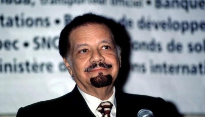 وفاة أحمد زكي يماني وزير البترول السعودي الأسبق
