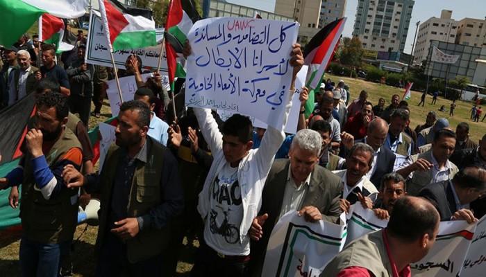 ارتفاع عدد الأسرى المضربين عن الطعام إلى 13 بسجون الاحتلال