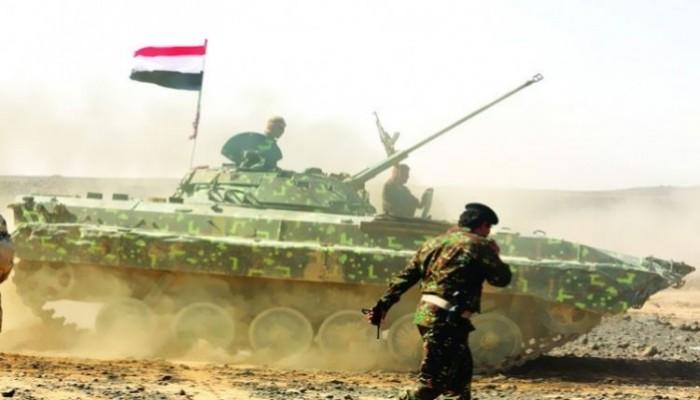 اليمن.. قوات الحكومة الشرعية تواصل قصف الحوثيين وتسقط مسيرة