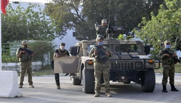 عياض بن عاشور: الانقلاب في تونس وضع الجيش بخدمة مشروع غير قانوني
