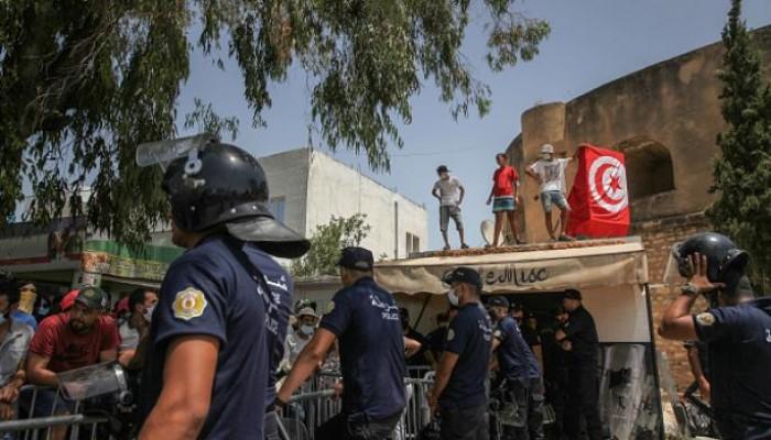 تونس.. تصاعد القلق من الفراغ الحكومي بعد أسبوع من الانقلاب
