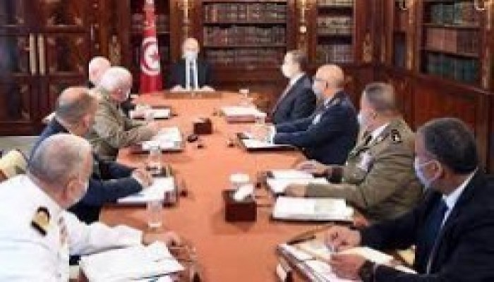 مجلة تايم: حركة قيس سعيد خطر على ديمقراطية تونس لكنها لم تمت بعد