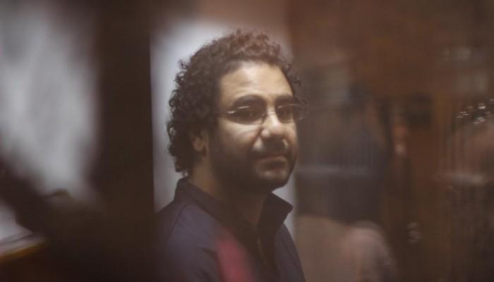 بيان لأسرة علاء عبد الفتاح: حياته في خطر.. أنقذوا حياة من تبقوا من أسرتنا
