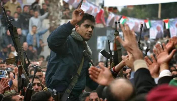زكريا تحت التعذيب.. وسم يتصدر الترند مطالبا بإنقاذه