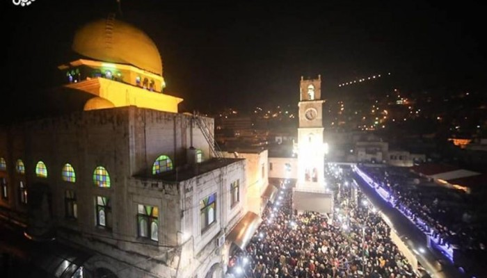 حماس تحيي العائلات التي تسابقت لإقامة الفجر بالأقصى والإبراهيمي