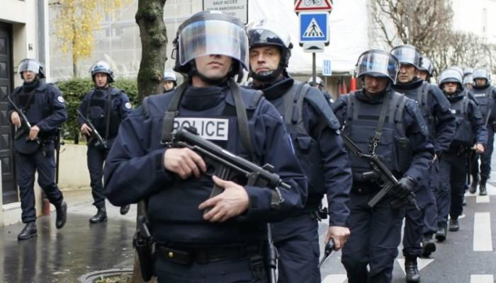 فرنسا.. اعتقال 5 من اليمين المتطرف خططوا للقيام بتفجيرات