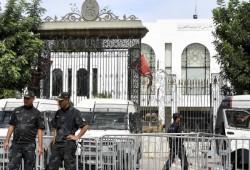 تونس.. اعتقال نائب برلماني ومذيع وصفا الرئيس بالخائن