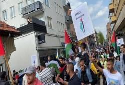 السويد.. وقفة مساندة للأسرى الفلسطينيين بسجون الاحتلال